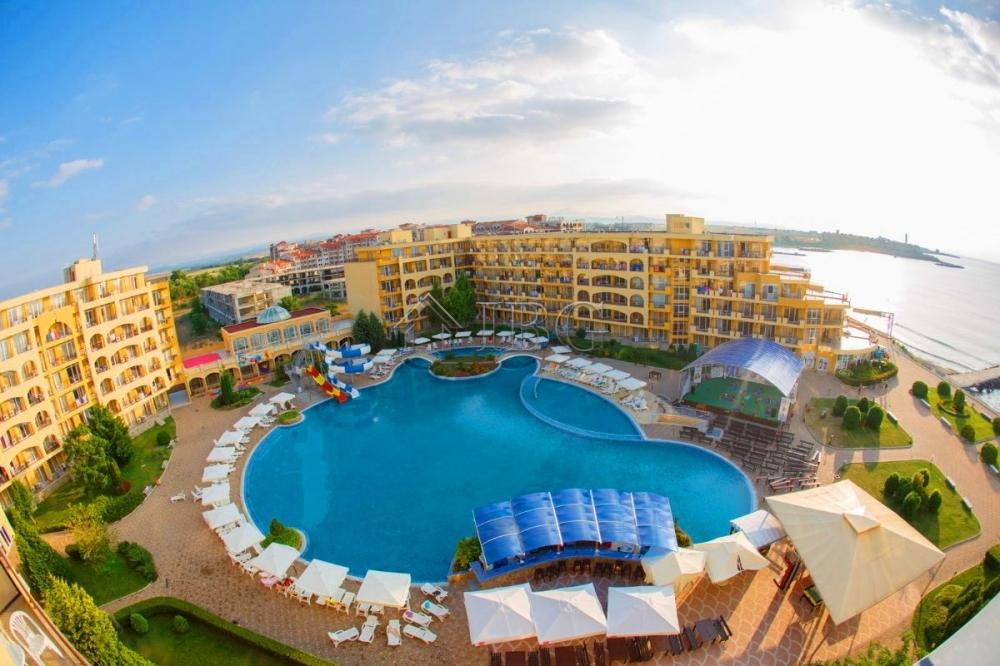 Трехкомнатная квартира у моря цены cassells al barsha дубай