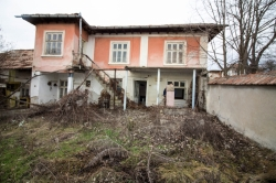 Продает Дом Кацелово